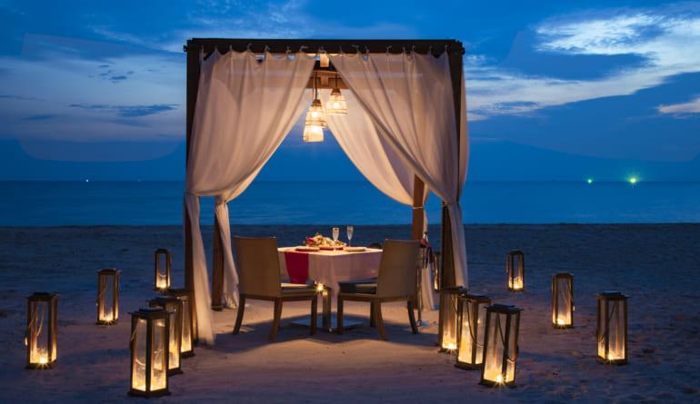 Romantic-dinner-fusion-resort-phu-quoc