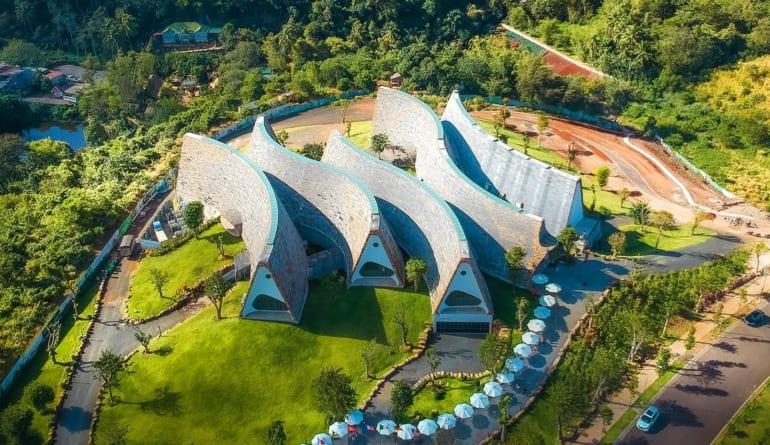 """""""Bảo tàng Thế giới Cà phê – Bảo tàng sống lớn nhất, sống động và độc đáo nhất!"""" – Hãng thông tấn AP (Hoa Kỳ) – Điểm khác biệt của dự án Thành phố Cà phê"""