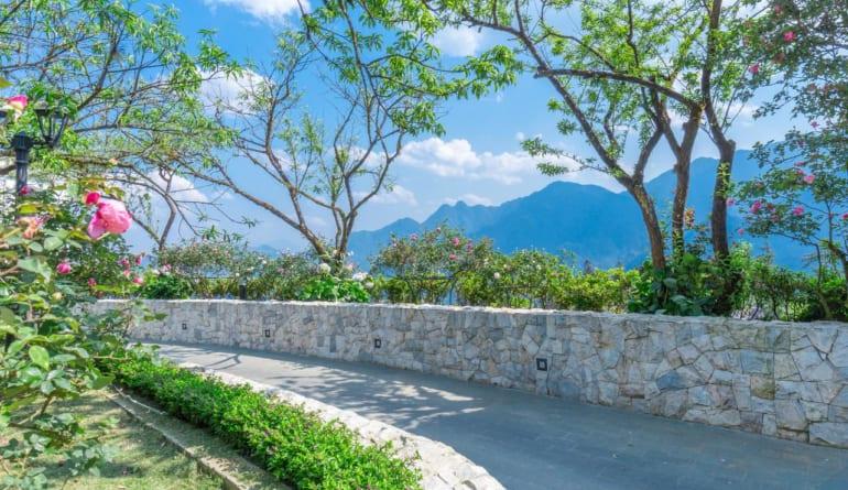 Silk Path Grand Resort & Spa Sapa (8)